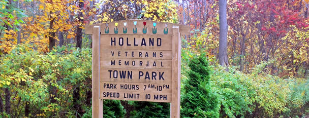 Holland Town Park (© Horizons Photography)