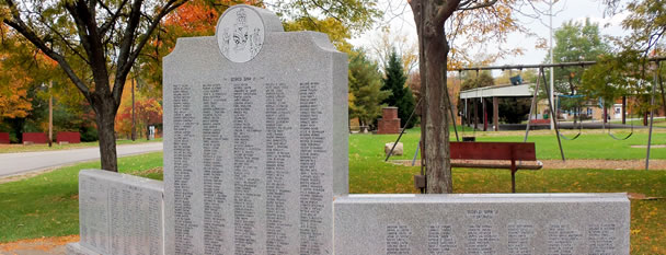 Holland Veteran's Memorial - Town Park (© Horizons Photography)